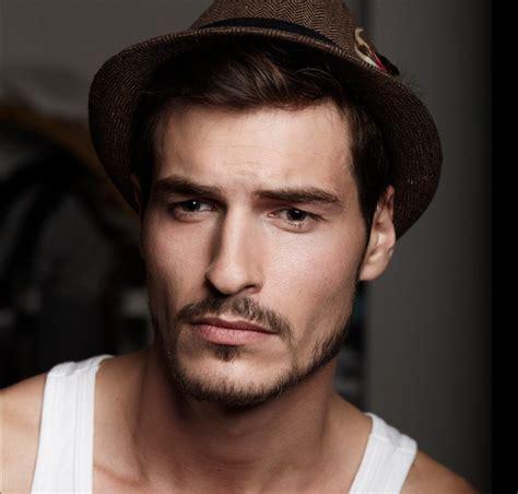 Modele Barbe Homme 1001 Id 233 Es La Moustache Homme En 2017 Vous Ira Au Poil