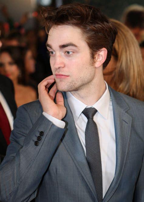 Lange Haare! Robert Pattinson überrascht mit neuem Look ...