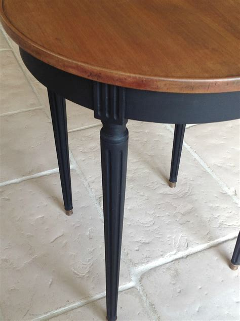 table ronde patinee d 201 co diy table ronde table et noir
