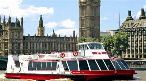 Boat Tower Hill To Greenwich by Thames River Cruise Pass Boats Depart From