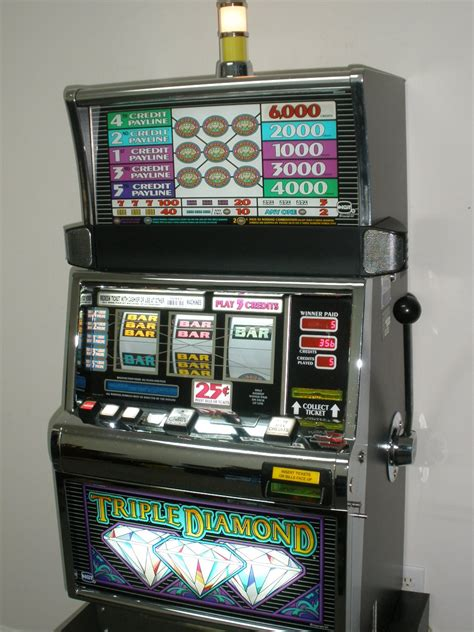 King Chameleon Slot Machine - Play Ainsworth Slots for Free