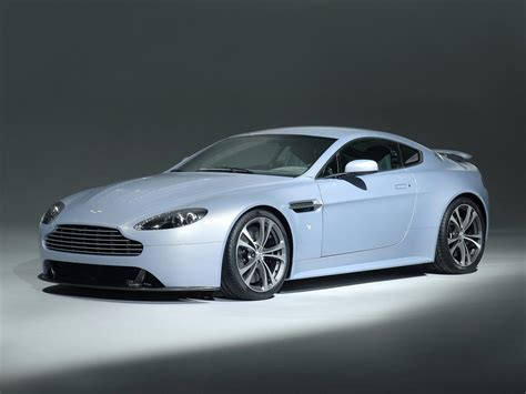 Aston Martin V12 Vantage by Aston Martin V12 Vantage And Carbon Black Special Edition