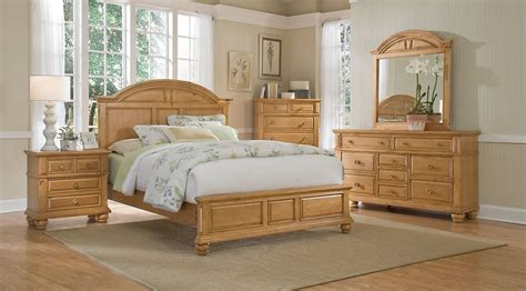 Light Colored Bedroom Furniture by Light Wood Bedroom Sets Pine Oak Beige