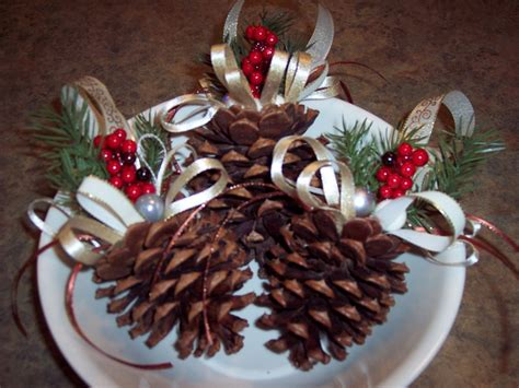 pine cone christmas ornaments crafts 99 best pine cone projects images on pinterest christmas decor christmas ideas and christmas