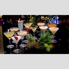 Top 15 Christmas Cocktails & Fun Drinks With Recipe