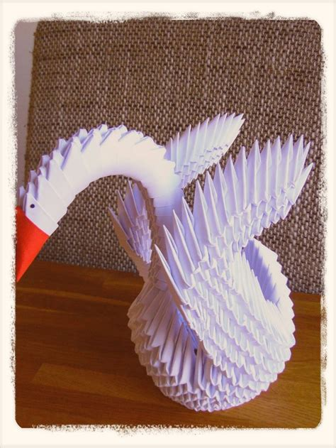 dit filmpje laat ik zien hoe een  origami zwaan
