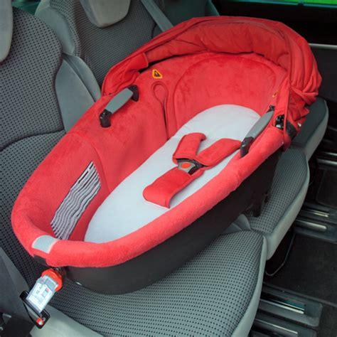 dehousser siege auto bebe confort drap pour nacelle de bebe confort chez naturabébé