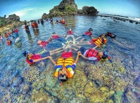 pantai sadranan spot snorkeling terbaru  jogja