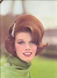 Coiffure Années 60 : coiffure des ann es 60 la mode dans toute sa beaut ~ Melissatoandfro.com Idées de Décoration