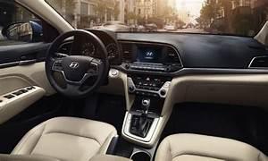 Hyundai Elantra 2017 ya en México, precios y versiones ...