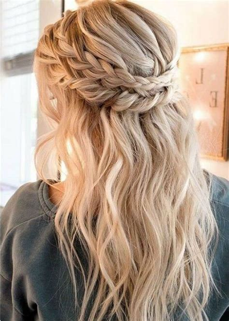 9 Prom Hairstyles for 2020 Best Prom Hair Ideas & Trends