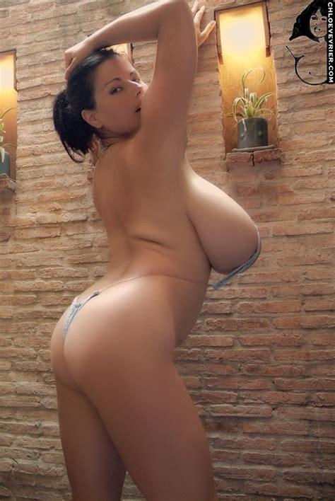 big breast in bikinis jpg 535x800