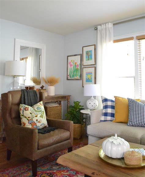Decorating Ideas Living Room by Living Room Decorating Ideas For Fall Balancing Home