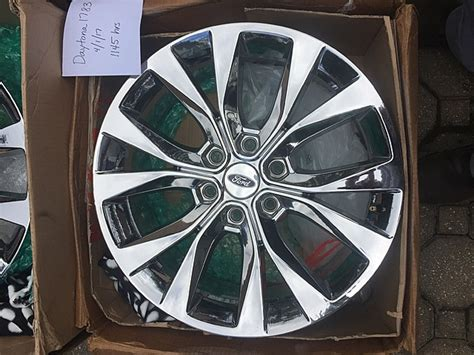 fs  lariat oem pvd chrome  wheels ford