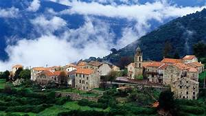 Village In Corsica Wallpaper
