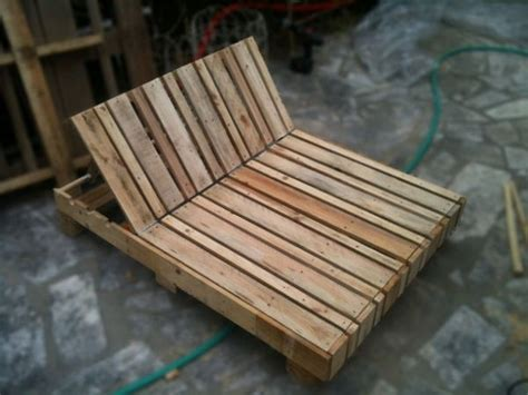 chaise longue palette 1000 ideas about pallet chaise lounges on