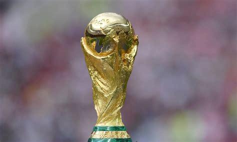 la surprenante histoire du trophee de la coupe du monde