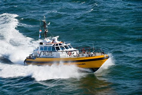 Boat And Pictures by Water Transport Pictures Boat Www Pixshark Images