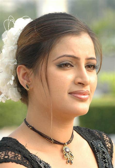 Gorgeous Indian Punjabi Actress Navneet Kaur Beautiful
