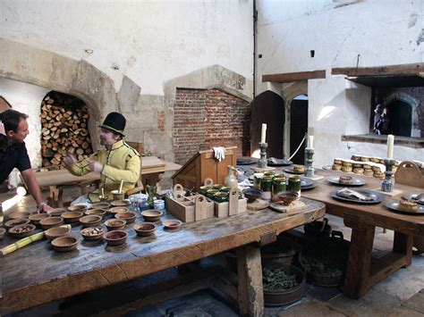 the palace kitchen and vincent hton court palace
