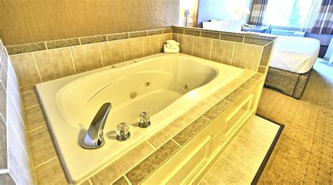 hotel in seattle with tub in room seattle tub suites hotels with in room whirlpool tubs