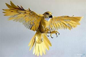 Comment Faire Un Oiseau En Papier : cr ation d 39 une sculpture d 39 oiseau g ant faucon en papier pour la d coration d 39 un v nement ~ Melissatoandfro.com Idées de Décoration