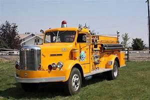 1952 Fwd Fire Truck Pumper