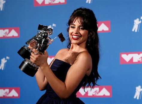 Camila Cabello Cardi Triomfen Els Premis Mtv Video