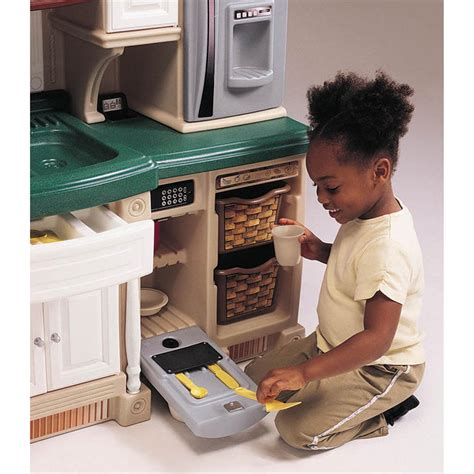 Step 2® Lifestyle™ Deluxe Kitchen  172375, Toys At