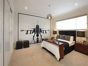 Modern bedroom design idea with carpet & built-in wardrobe