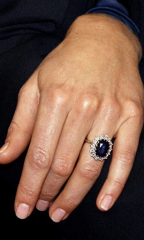 duchess of cambridge jewelry for engagement and wed