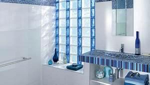 Brique De Verre Couleur : les briques de verre pour une salle de bain lumineuse d co cool ~ Melissatoandfro.com Idées de Décoration