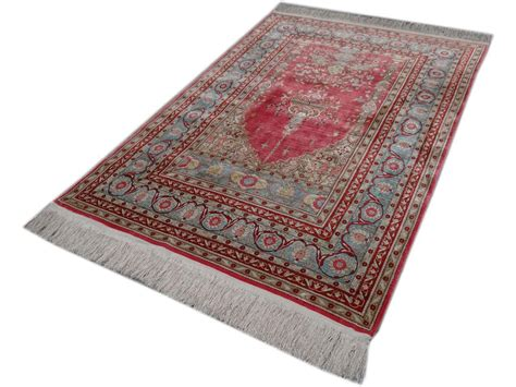 nettoyer un tapis en soie ghoum soie with