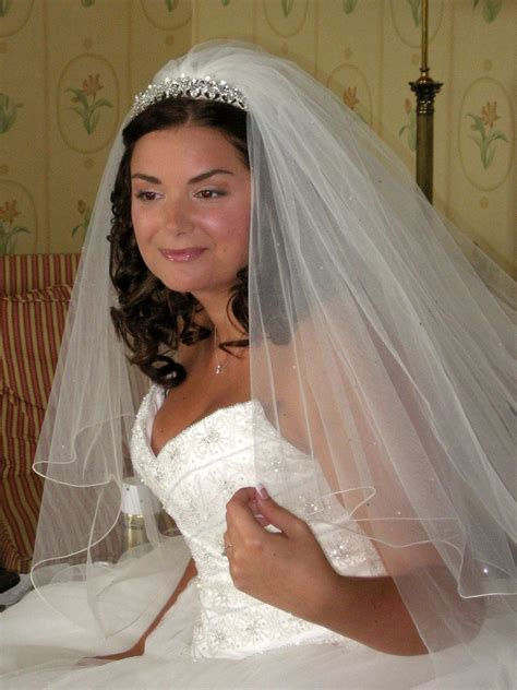 Brides With Veils   Tips and ideas for your wedding hair