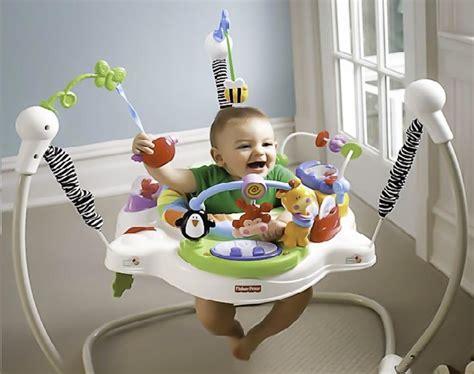 siege d eveil tables d 39 éveil et d 39 activité faire le bon choix pour bébé