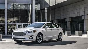 2019 Ford Fusion Debuts With a New Look and Features - The ...