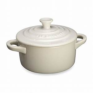 Le Creuset Cocotte : buy le creuset mini round stoneware cocotte in white from bed bath beyond ~ Buech-reservation.com Haus und Dekorationen