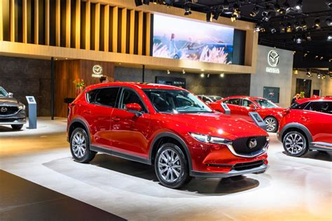The 2019 Mazda CX-5 Is Easy to Love According to Car and ...