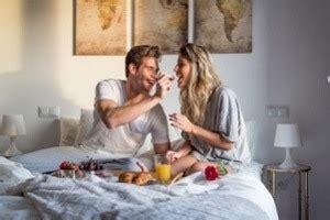 Zu Zweit Im Bett by Fr 252 Hst 252 Ck Im Bett Mit Ideen Tipps Und Rezepten Anleitung