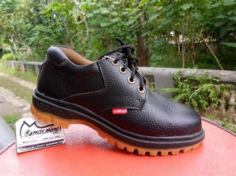 jual sepatu boots pria caterpillar pendek kulit hitam