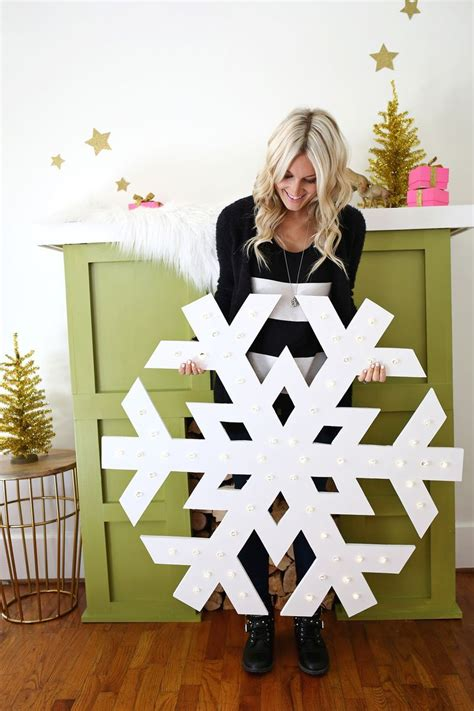 giant snowflake light  marquee diy christmas