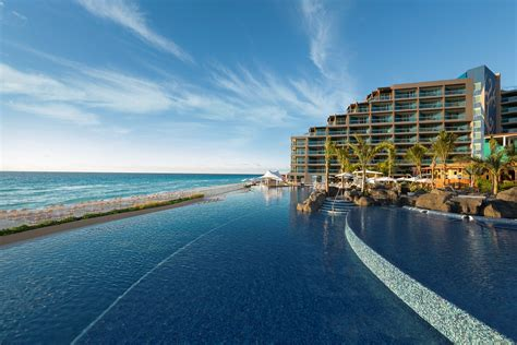 pools in cancun riviera