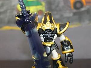 Skylanders Trap Team Krypt King & Riot Shield Shredder ...