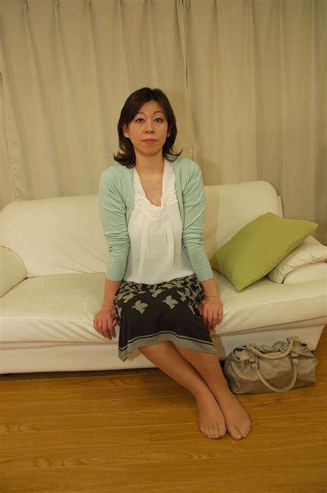 Naughty Japanese Granny Enjoy Dick Sucking And Crushing On Bed Asian Porn Movies