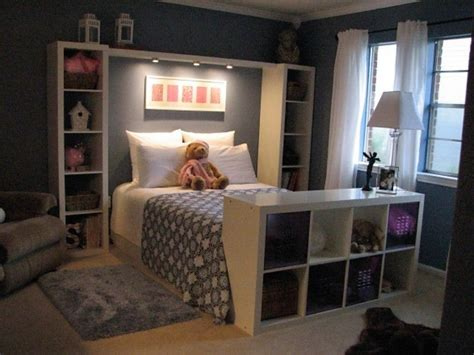 Organize A Small Bedroom by Great Way To Organize A Small Bedroom For The