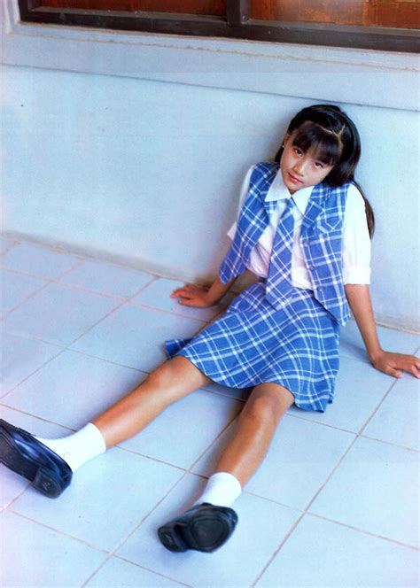 西村りか投稿画像and1985女児ヌード写真集