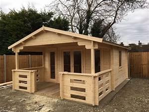 Terrasse Mit Holz : holz gartenhaus mit terrasse henry 15m 44mm 4x6 hansagarten24 ~ Whattoseeinmadrid.com Haus und Dekorationen