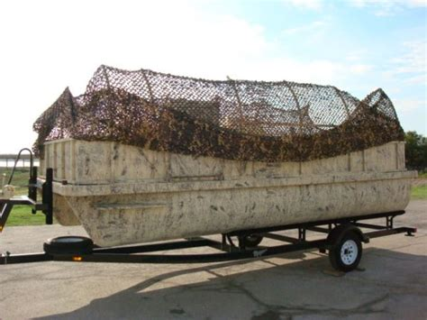Duck Hunting Boats For Sale Canada by Hunting Blind Netting Banded Axe Boat Shore Duck Blind