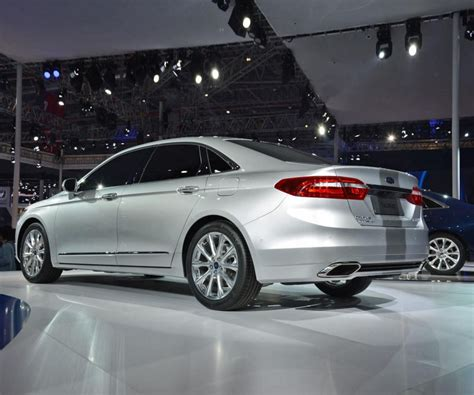 ford taurus limited  sho  remain  production