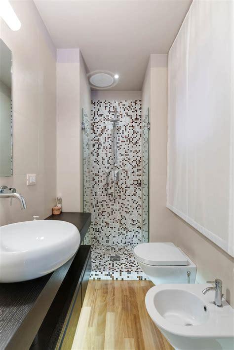 arredamenti bagni piccoli bagno con pavimenti e rivestimenti in mosaico 100 idee